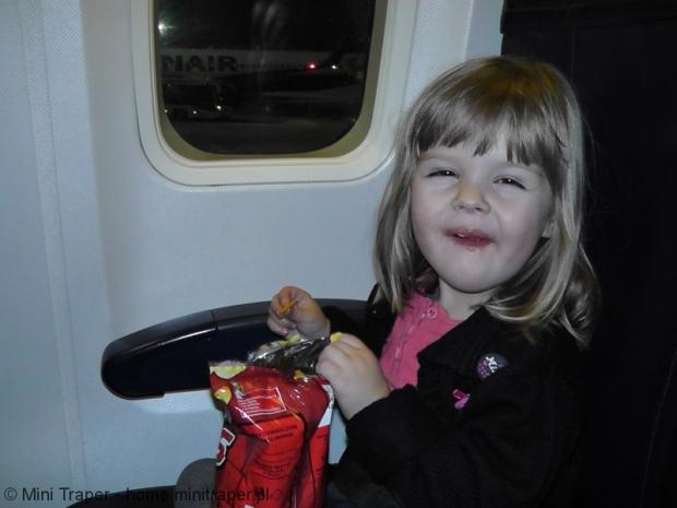 Mini Traper - dziecko w samolocie